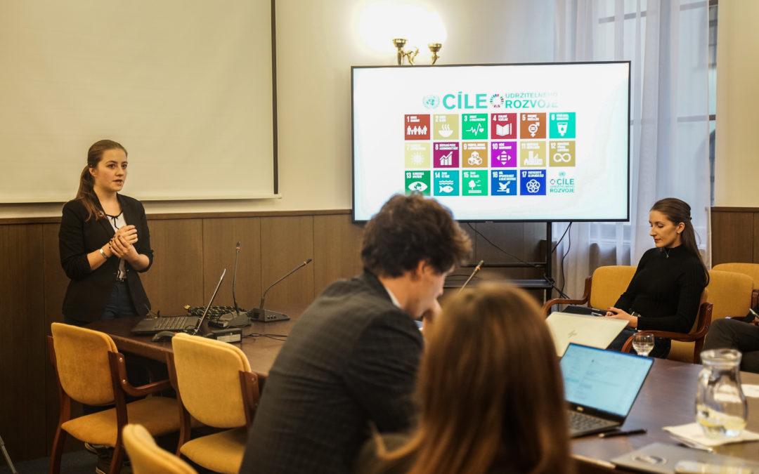 TZ: Youth, Speak Up! podporuje iniciativu OSN, která zapojuje mladé lidi do politiky klimatu